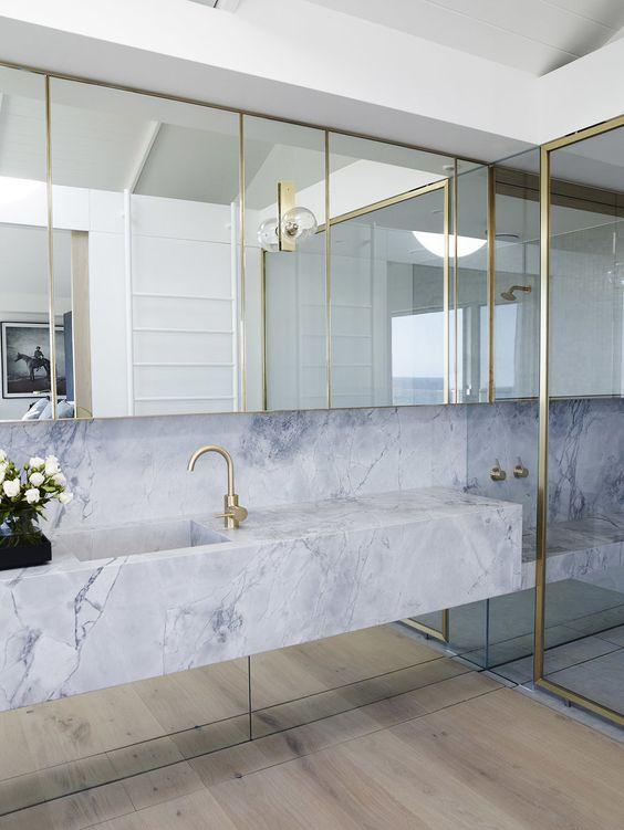 luxe marmeren werkblad wastafel badkamer