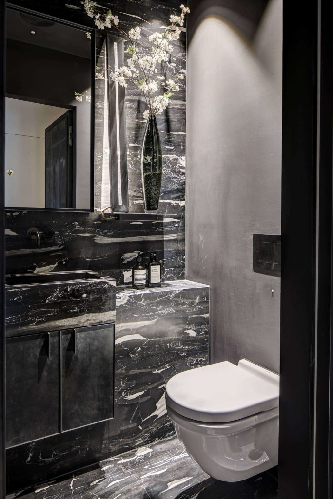 luxe-toilet-marmer
