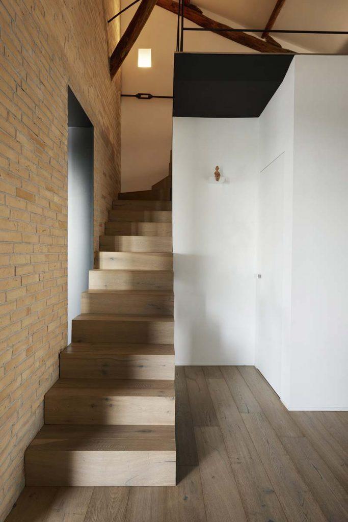 Mezzanine AR Penthouse