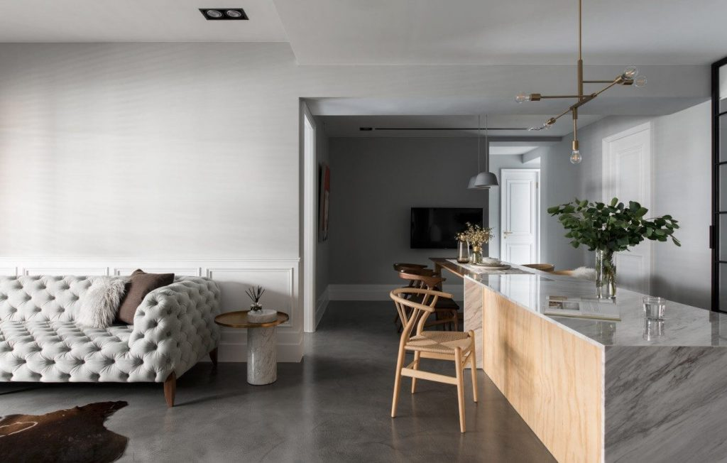Minimalistisch modern en klassiek chique woonkamer homease for Klassiek en modern interieur combineren