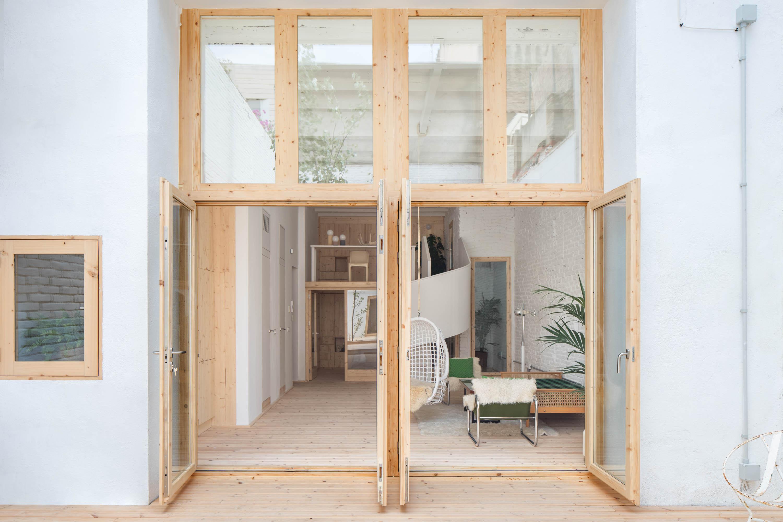 8x Minimalistische Werkplek : Minimalistische oase tuin in barcelona homease