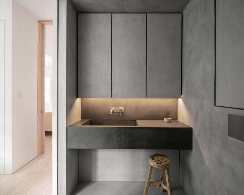 moderne badkamer betonstuc donkergrijs