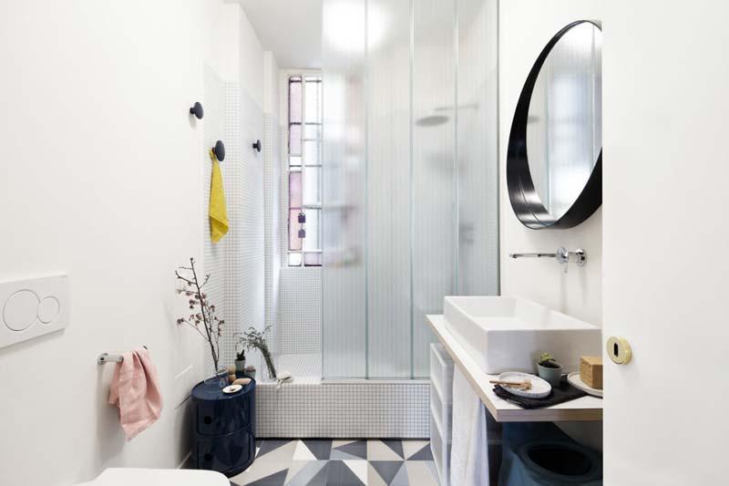 moderne badkamer geometrische tegels