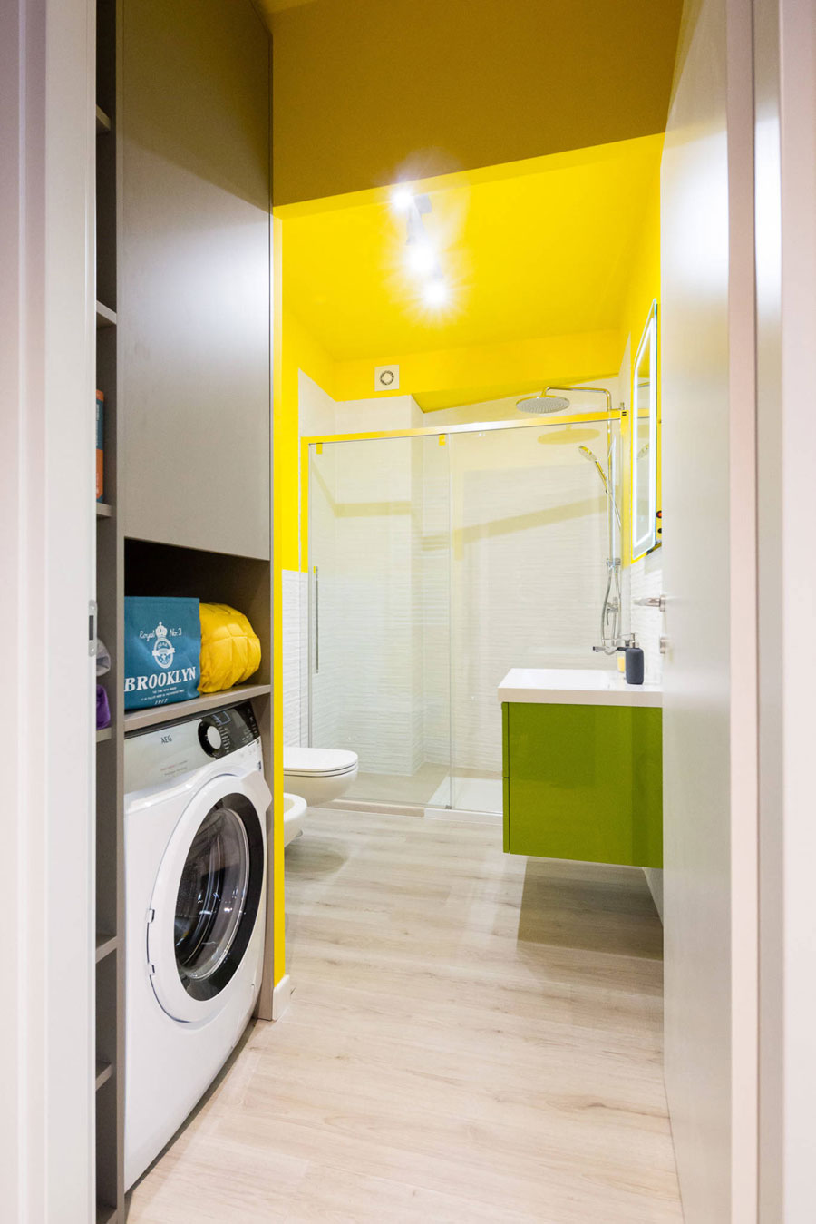 moderne badkamer kleurrijk