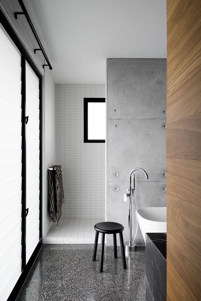 Moderne badkamer muurbekleding combineren