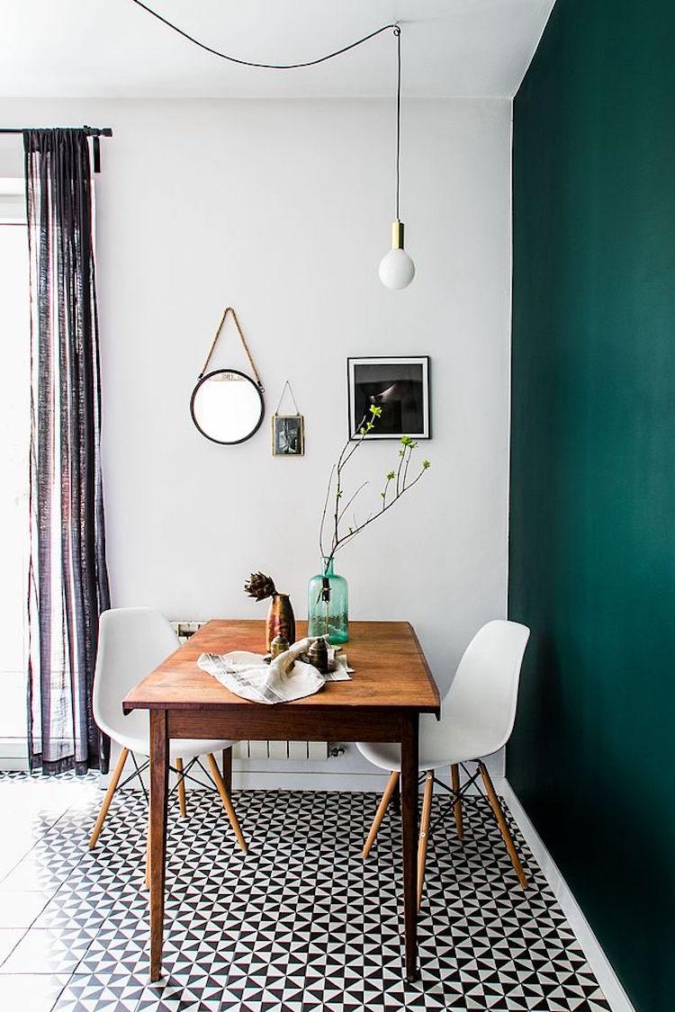 In deze moderne keuken is Scandinavisch met vintage gecombineerd