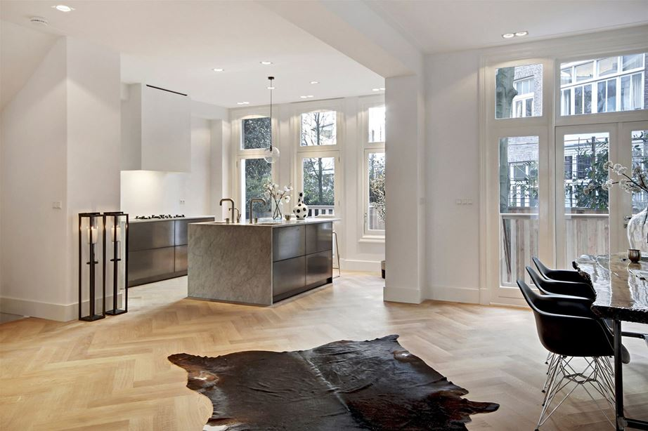 Moderne klassieke woonkamer homease - Moderne keuken en woonkamer ...