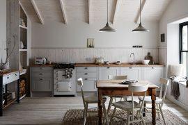 Moderne rustieke keuken van Howdens
