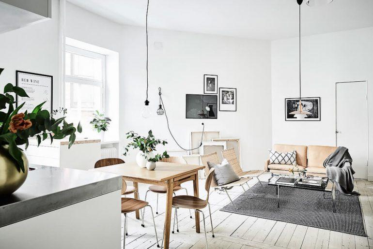 Mooie a-symmetrische woonkamer