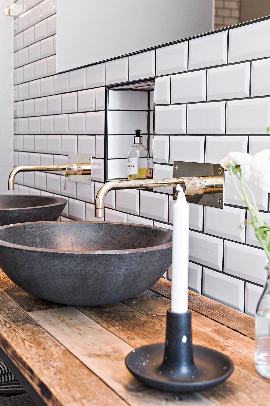 Mooie badkamer met een stoer klassiek tintje