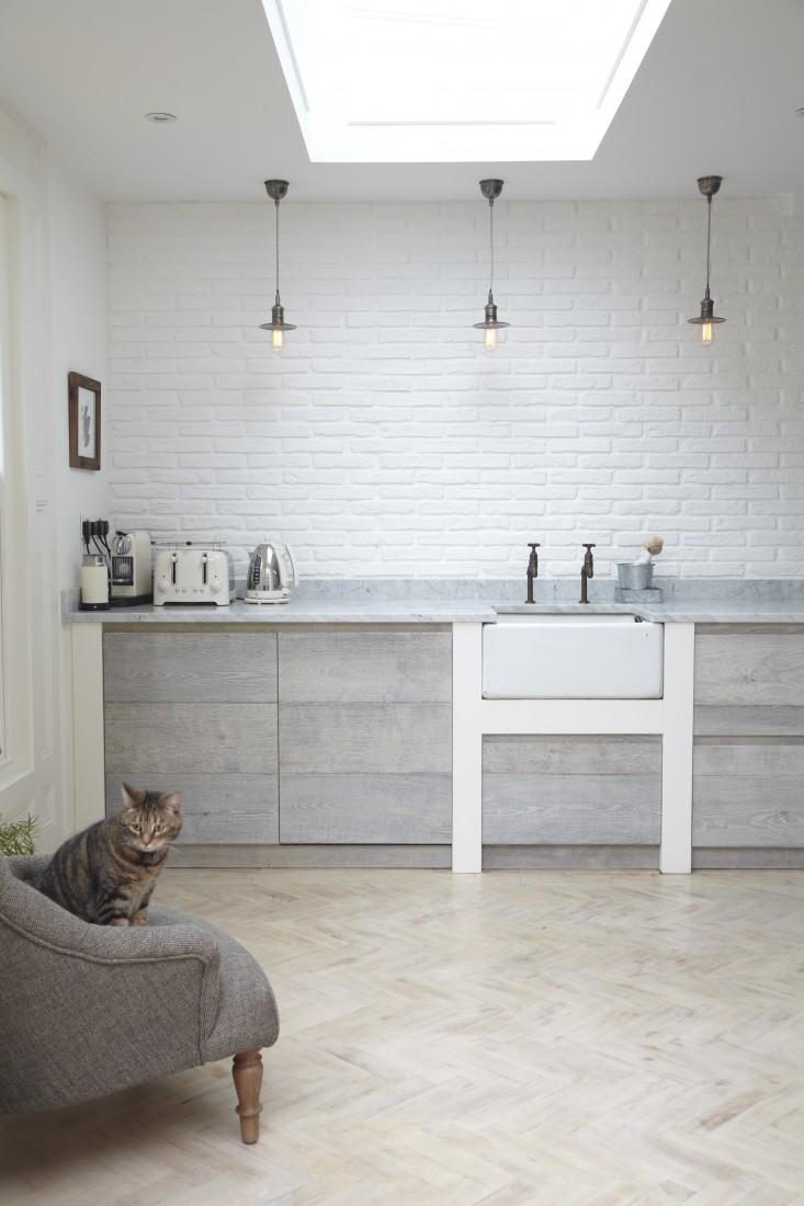 De mooie Scandinavisch getinte keuken van fotograaf Malcolm Menzies