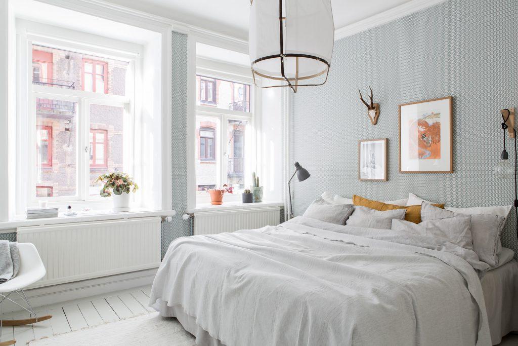 in deze mooie slaapkamer vind je een aantal hele leuke decoratie, Deco ideeën