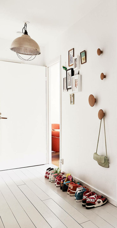 muuto dots haken. Black Bedroom Furniture Sets. Home Design Ideas