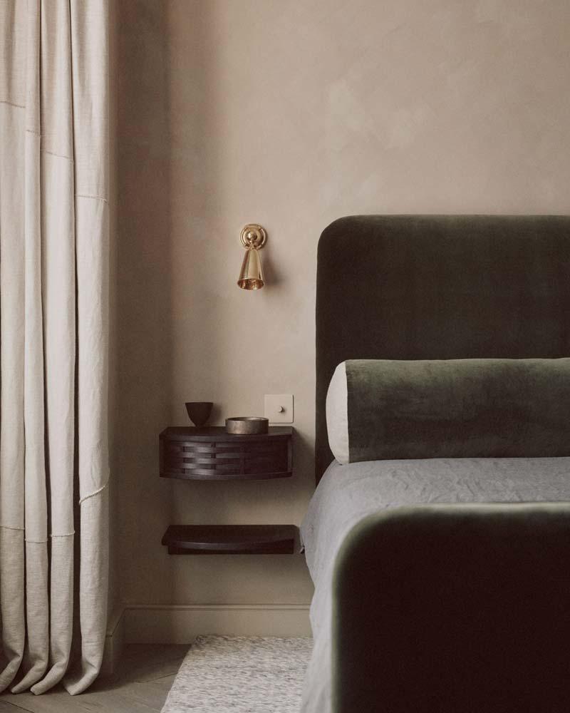 natuurlijke kleuren slaapkamer groen hoofdbord