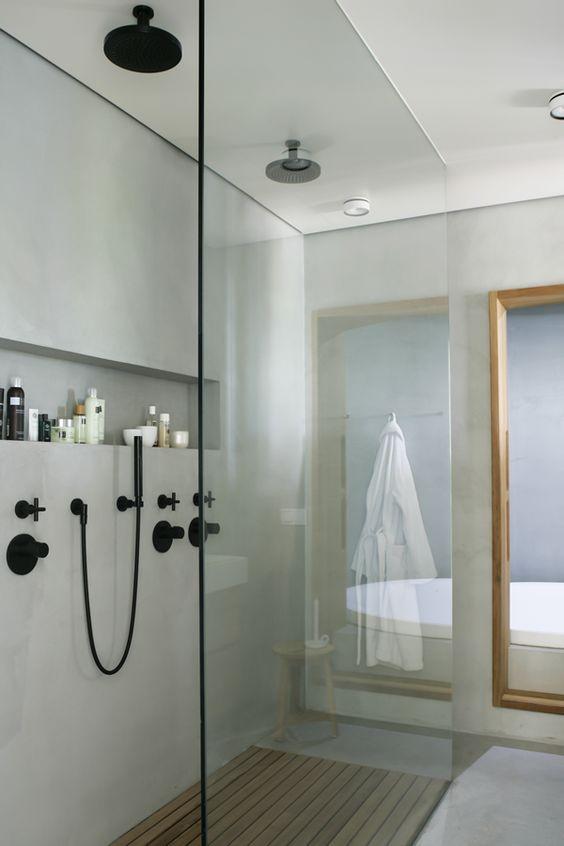 Nis in badkamer