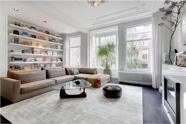 Mooi karakteristiek appartement uit amsterdam op funda for Woonkamer 3d inrichten