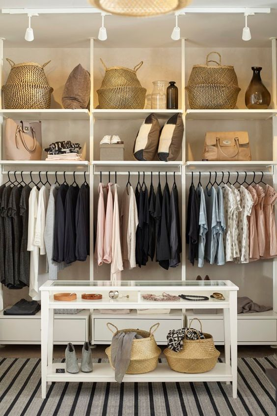 Open kledingkasten