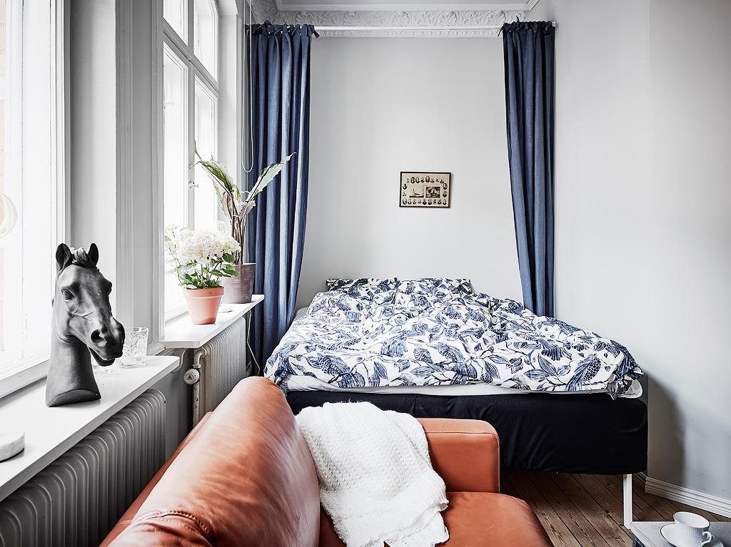Opklapbaar bed tegen muur homease for Bed in muur