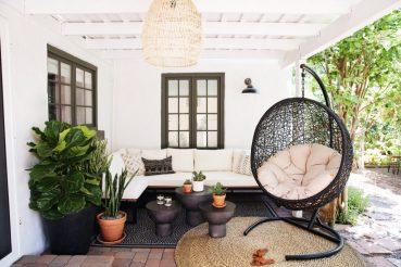 Overdekte lounge metamorfose van Robert en Christina