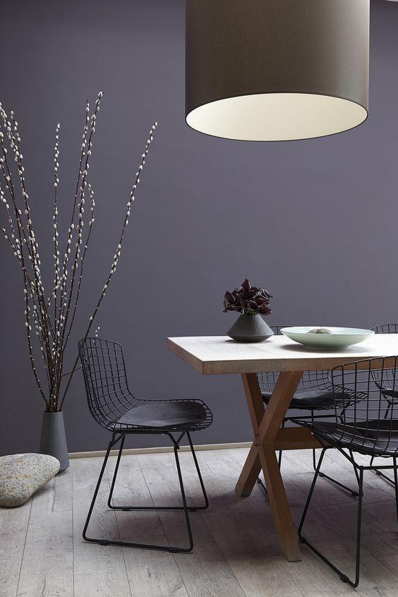 paarse-muur-eetkamer