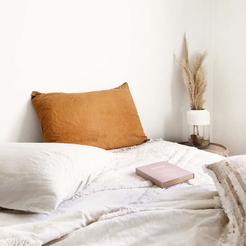 pampasgras transparante vaas nachtkastje slaapkamer