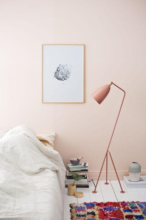 Pastel roze muur slaapkamer