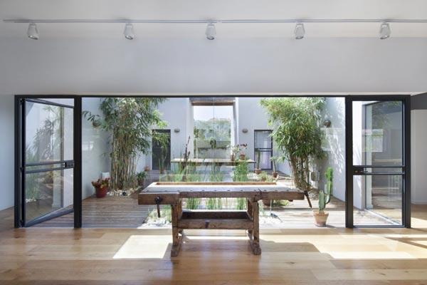 Patio tuin als middelpunt van het huis
