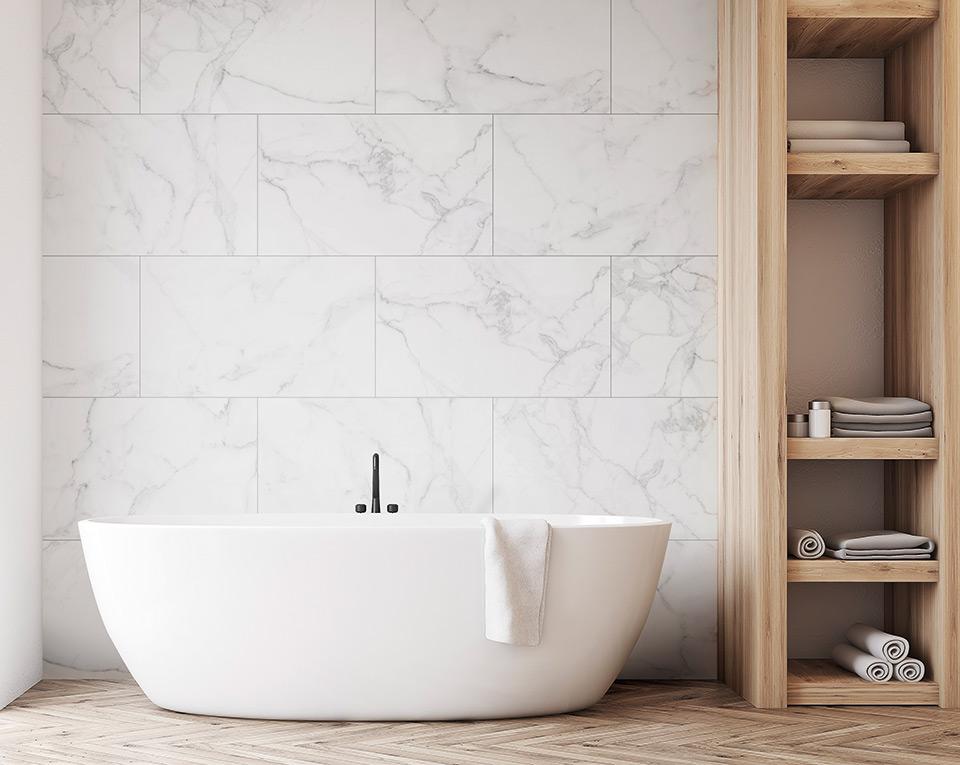 plaktegels dumaplast wit marmer badkamer