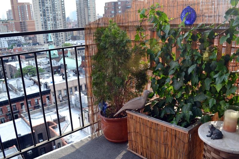 Rieten afscherming op balkon
