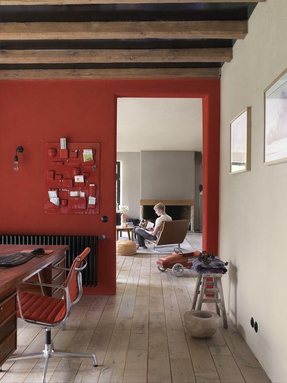 rode-muur-werkkamer