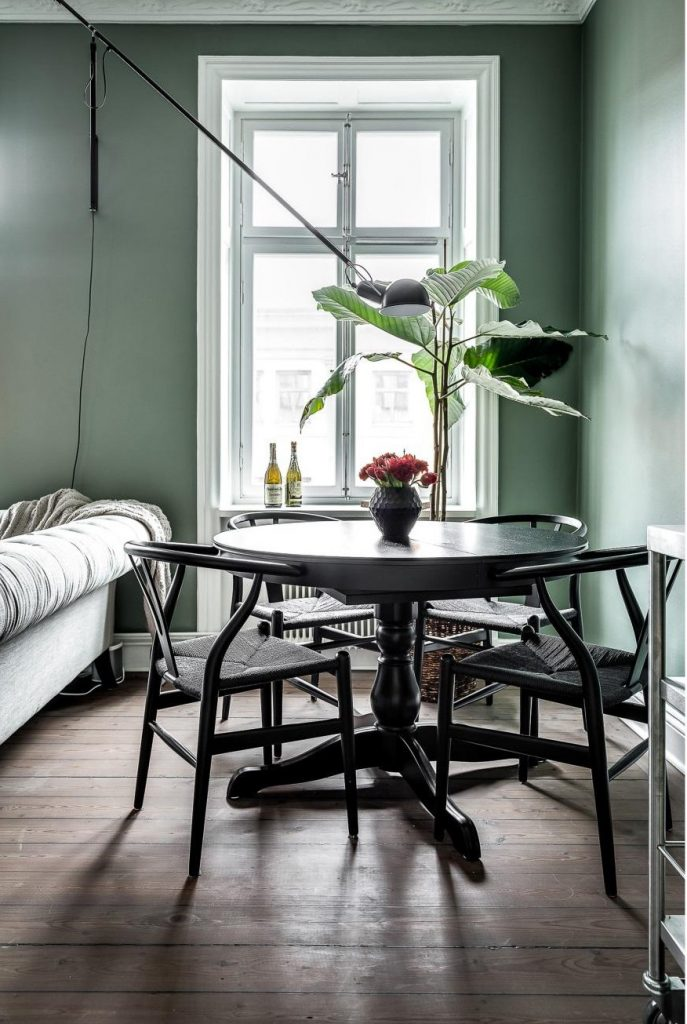 ronde-zwarte-salontafel