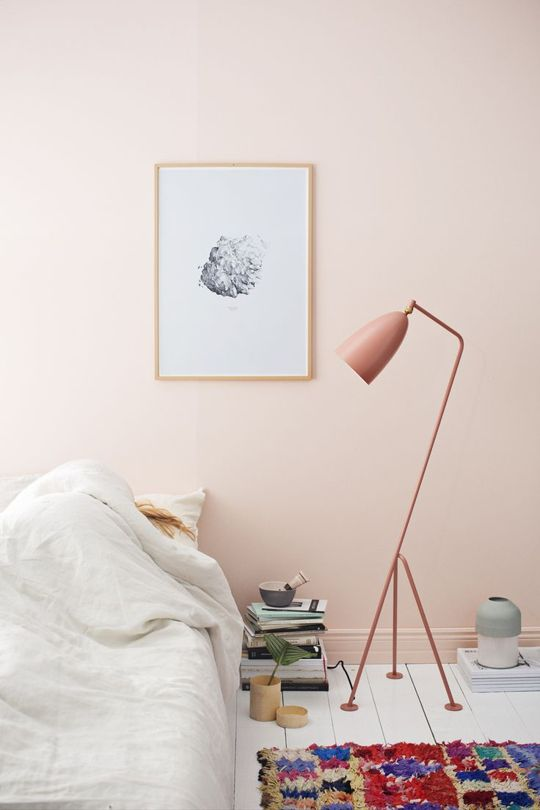 roze-muur-slaapkamer