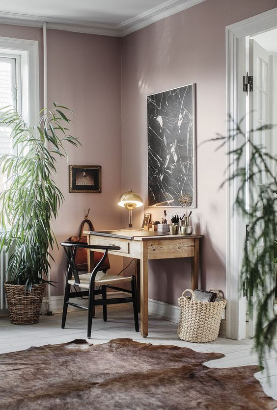 roze-muur-werkkamer