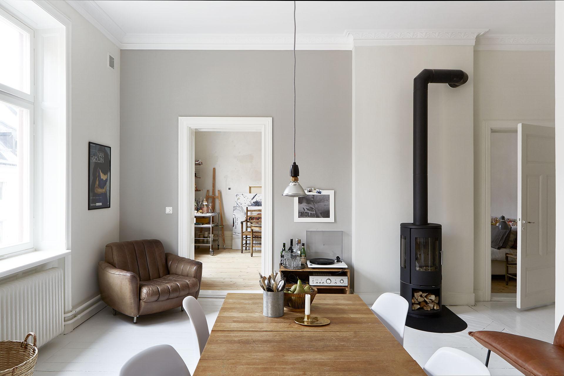 Scandinavische Vintage Woonkamer : Scandinavisch appartement met de mooiste vintage vondsten homease