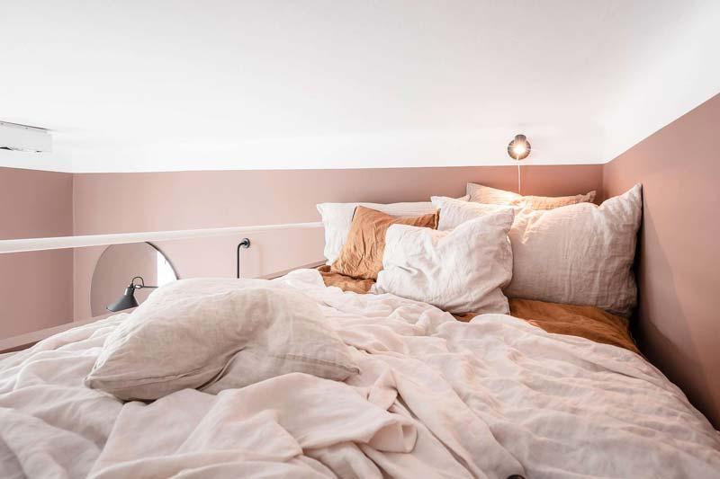 scandinavische mezzanine slaapkamer