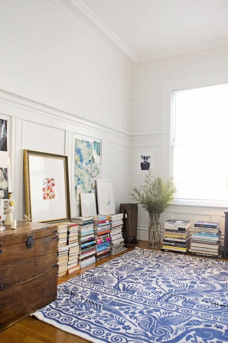 Schilderij op boeken