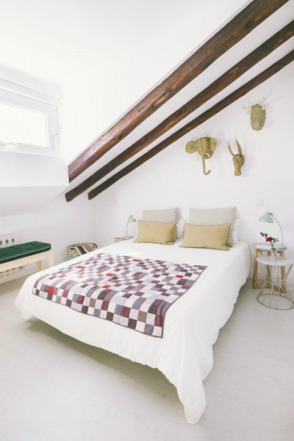 Slaapkamer met schuin dak