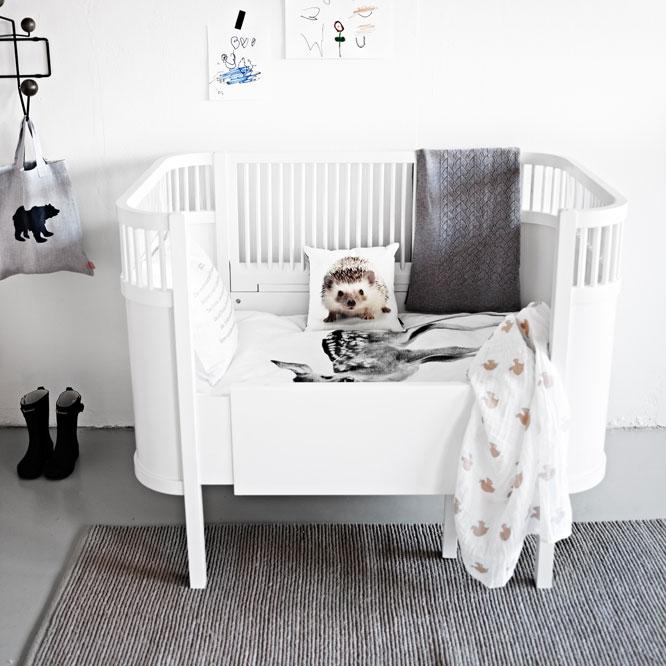 sebra kili bed homease. Black Bedroom Furniture Sets. Home Design Ideas