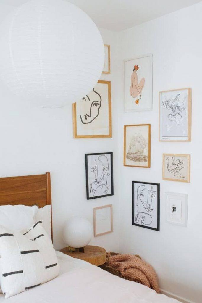 slaapkamer decoratie ideeën collage lijsten