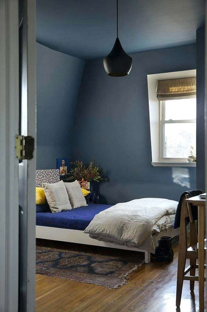 slaapkamer decoratie ideeen gekleurd plafond verven
