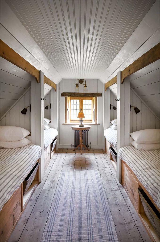 slaapkamer decoratie ideeen inbouwbed schuine wand