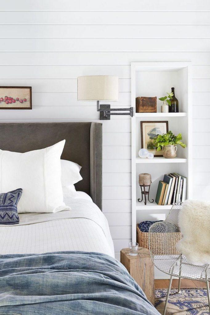 slaapkamer decoratie ideeën stoel schapenvacht