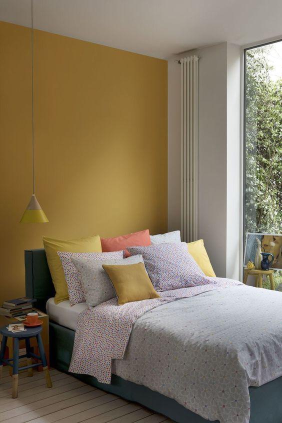 slaapkamer ideeën gele muur