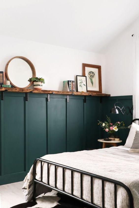 slaapkamer ideeën groene lambrisering