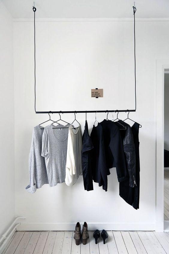 slaapkamer ideeën kledingrek-hangen-plafond