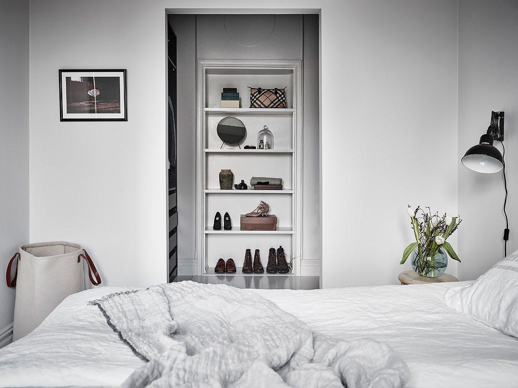 smalle inloopkast slaapkamer