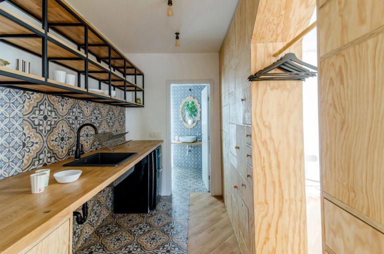 Smalle Lange Kast : Lange smalle badkamer kast latest smalle keukenkast verkocht