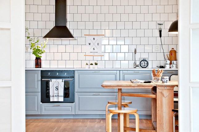 Stoere Hanglamp Keuken : De houten eettafel geeft de keuken een stoere industri?le uitstraling