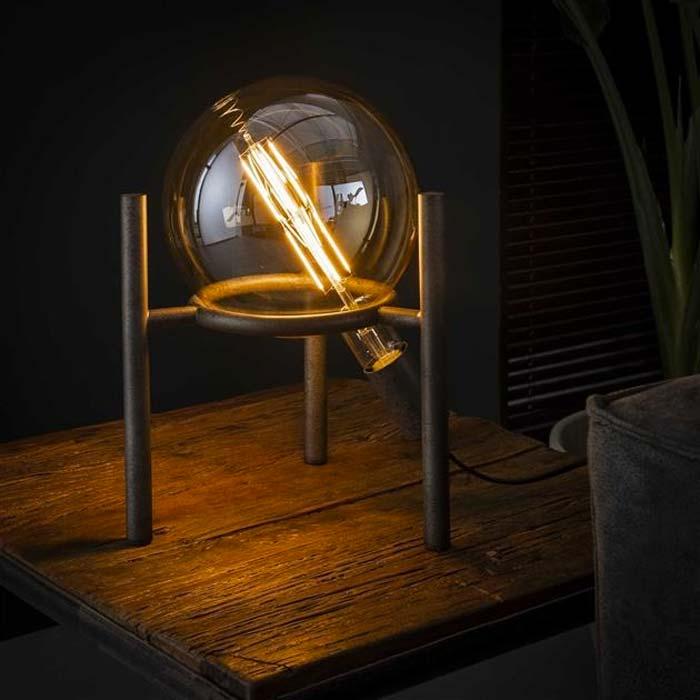 stoere industriele tafellamp
