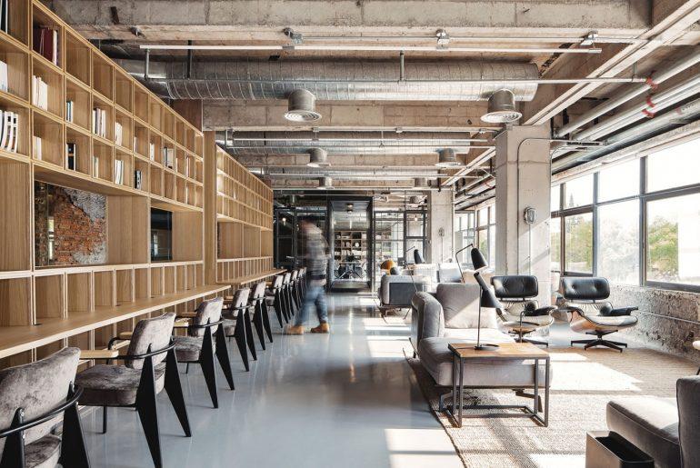 Stoere kantoor van Flahalo Creative Management